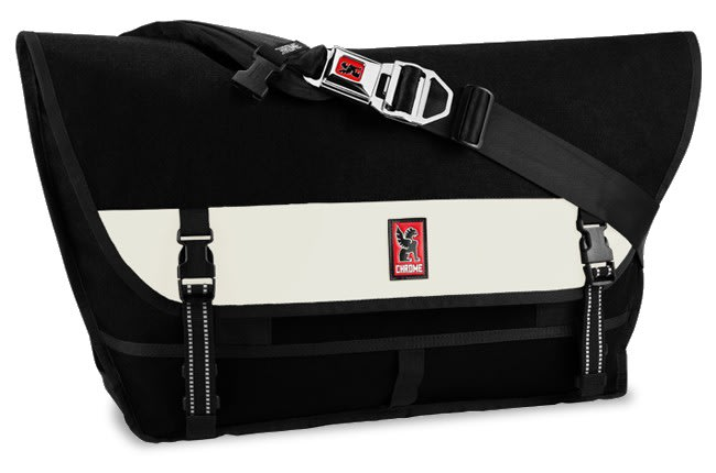 Chrome Metropolis Messenger Bag Black/White