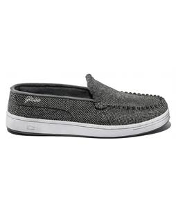 on sale globe casual shoes up to 40