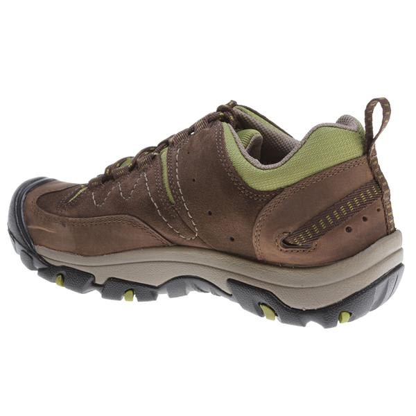 Women's Sale What's better than finding footwear for your next adventure? Finding it on sale. Get great deals on sandals, shoes, boots and more for women.