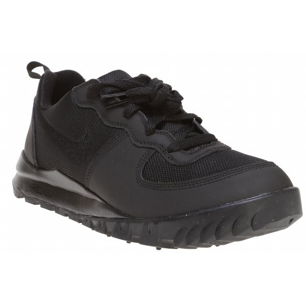 Black Nike Hiking Shoes