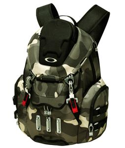 Oakley Bathroom Sink Backpack Worn Olive