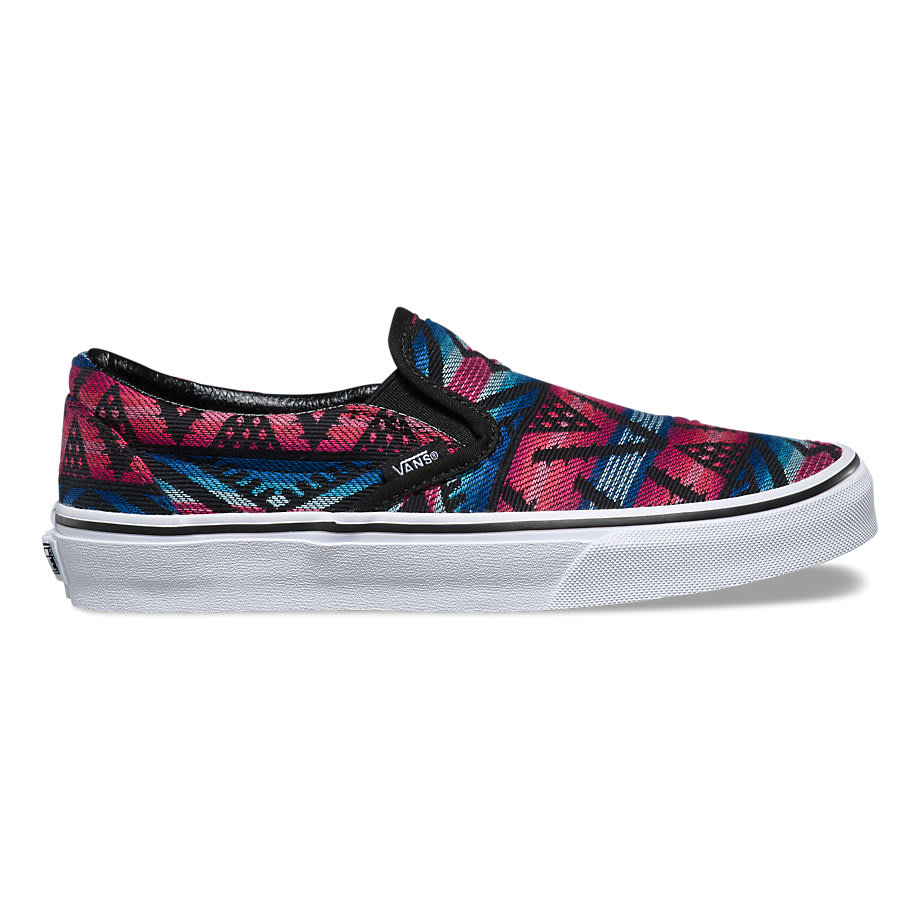 Vans shoes have gone from a symbol of counterculture to a big part of the culture, appearing on the feet of professional skateboarding pioneers Tony Alva and Stacy Peralta in the s and the tons of bands who play the Vans Off The Wall sponsored Warped Tour each year to this day.