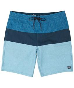 Billabong Tribong Lo Tides 19in Boardshorts
