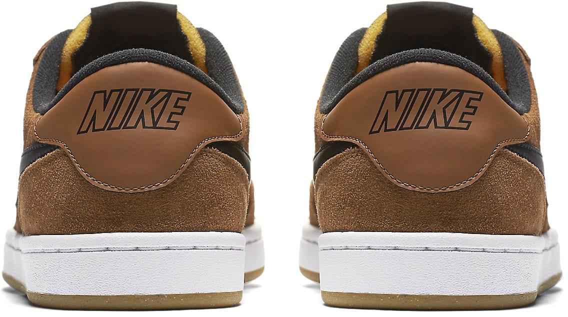 ae2a93a6f88a Nike SB FC Classic Skate Shoes - thumbnail 5