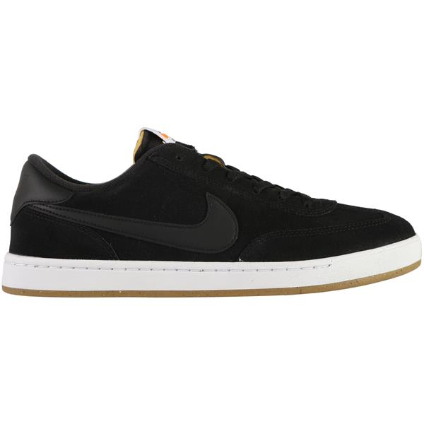 4c19f465671b Nike SB FC Classic Skate Shoes