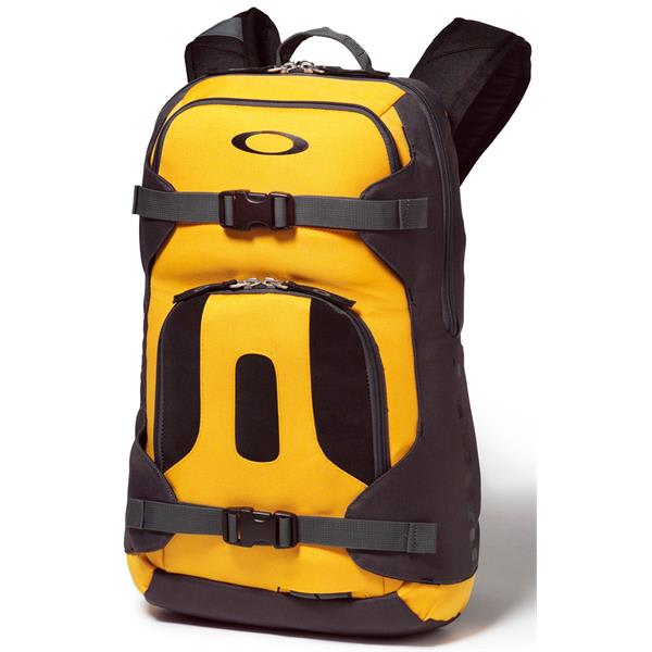 a0b71d2bed Oakley Snowmad Day Backpack