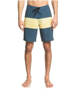Quiksilver Highline Six Channel 19 Boardshorts